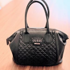FINAL SALE ‼️ Guess Quilted Handbag